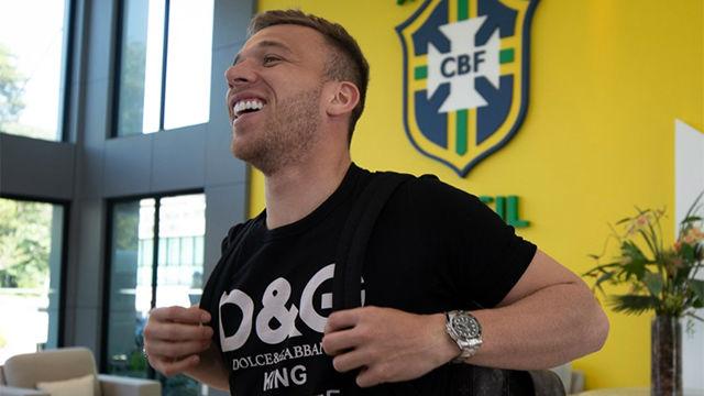 Arthur ya está concentrado con la selección brasileña