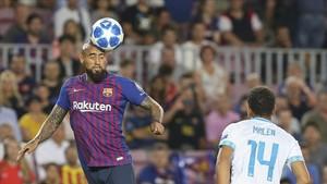 Arturo Vidal será titular por primera vez en un partido oficial frente al Girona