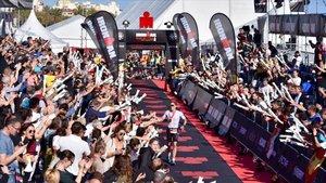 Calella acoge a 3.800 atletas en el IRONMAN Barcelona más multitudinario