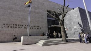Condenado a 13 años de cárcel por violar y amenazar a su expareja