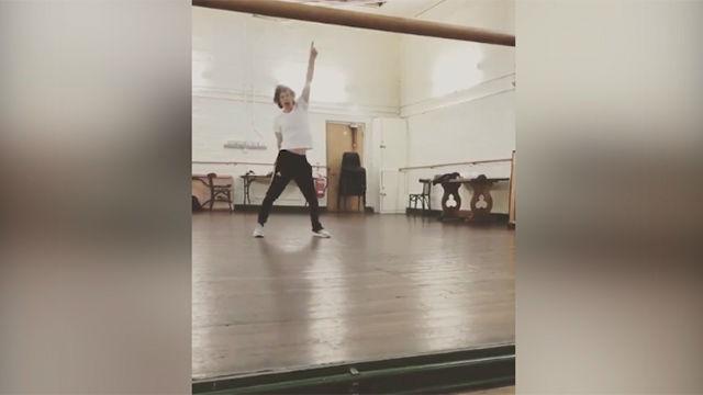 El enérgico baile de Mick Jagger después de una operación de corazón... y con 75 años