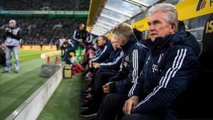 Heynckes durante un partido con el Bayern