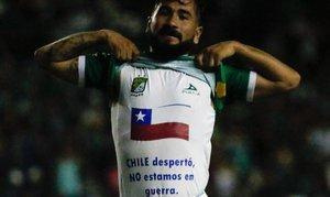 Jean Meneses mandando su aliento a Chile desde la Liga MX