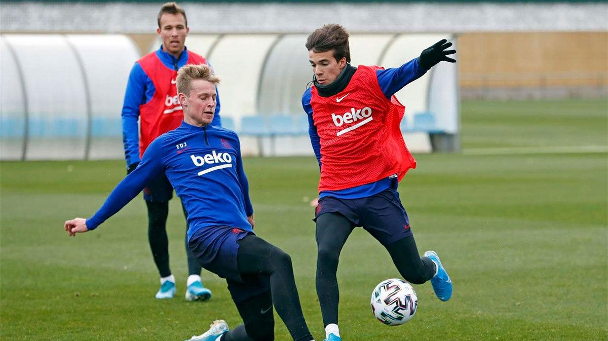 De Jong: Riqui Puig está más que preparado para ser titular en el Barça