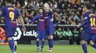 Leo Messi y Rakitic se entienden sin mirarse sobre el césped
