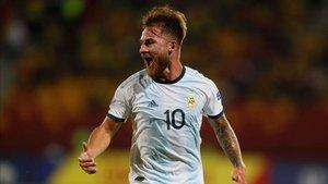 Mac Allister es definido en redes como el hijo de Messi y de Ramos