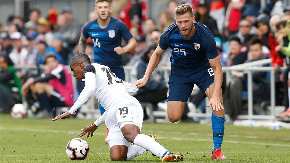 Estados Unidos derrota a Costa Rica en el debut de Gustavo Matosas bd1ae26dacf71