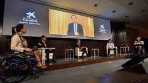 Cuatro deportistas paralímpicos de élite explicaron sus vivencias en CaixaBank
