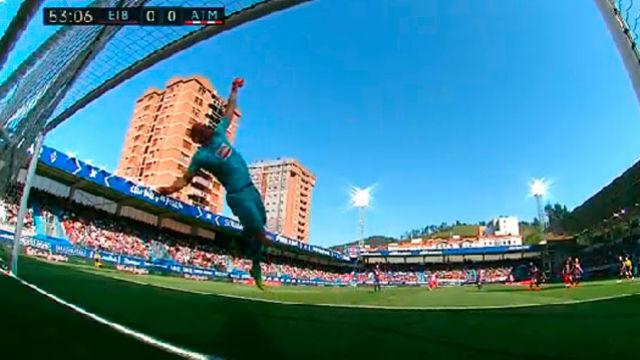 Dmitrovic fue un muro para el Atlético de Madrid