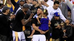Durant y Curry, dos grandes jugadores muy compenetrados entre ellos