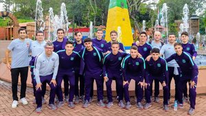 El filial ya está en Brasil, con el exazulgrana Gabriel (arriba a la izquierda) como anfitrión