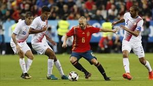 Iniesta aspira a salir de la selección española por la puerta grande