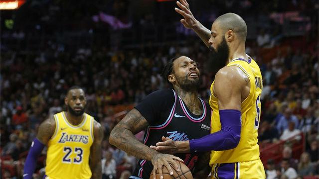 LeBron James lidera la victoria de los Lakers en Miami