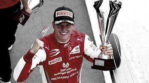 Mick Schumacher pisa fuerte hacia la F1