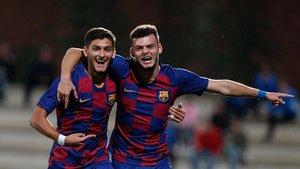 Nils, a la izquierda, y Antonio Jesús, a la derecha, ya han debutado en el Barça B