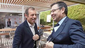 Sandro Rosell, junto al actual presidente del Barcelona, Josep María Bartomeu