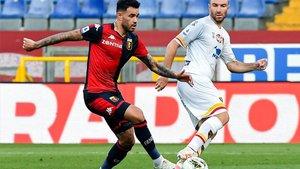 Tonny Sanabria, en acción en un partido con el Genoa
