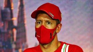 Vettel durante la rueda de prensa en Montmeló