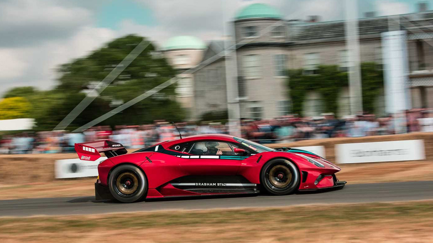 Subida del Brabham BT62 en Goodwood.