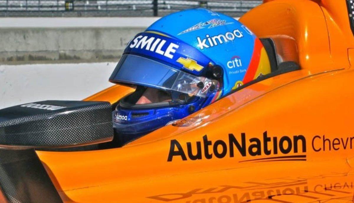 Resultado de imagen de Alonso termina en el puesto 32 en los primeros entrenamientos de Indianápolis