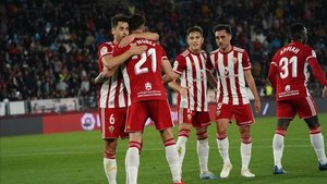 El Almería aún aspira a lograr el ascenso directo a la Primera División