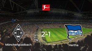 El Borussia Mönchengladbachsuma tres puntos más frente al Hertha BSC (2-1)