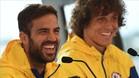 Cesc Fábregas junto a su compañero de equipo David Luiz