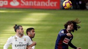 Cucurella firmó un partido espectacular contra el Real Madrid