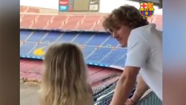 El emotivo momento en el que la hija de Griezmann conoció el Camp Nou