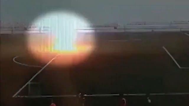 Un futbolista ruso es alcanzxada por un rayo en pleno calentamiento