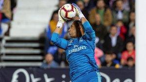Keylor Navas atrapa un balón en el partido ante el Leganés