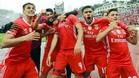 Los jugadores del Benifica, celebrando su 'doblete'