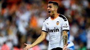Maxi Gómez será el hombre referencia en la delantera che