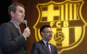 Robert Fernández, secretario técnico del Barça, junto al presidente del club Josep Maria Bartomeu