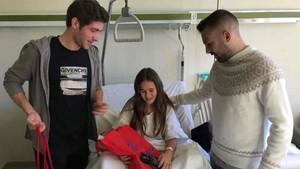Sergi Roberto y Jordi Alba, en el Hospital de Barcelona