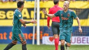 Van de Beek marcó y asistió con el Ajax en el debut en la Eredivisie