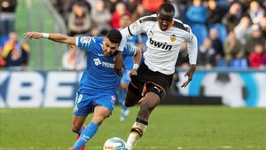 Ángel firmó un gol y regaló otro a Mata en la victoria del GGetafe contra el Valencia