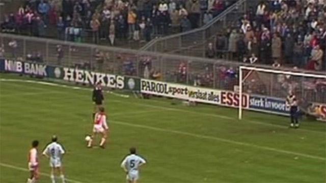 35 años del penalti más genial de Johan Cruyff