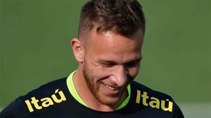 Arthur interesa al Barcelona