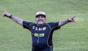 Así es el nuevo coche de Maradona valorado en 170.000 euros