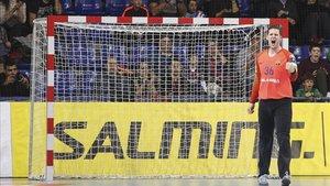 El Barça Lassa continúa como líder invicto de la Asobal
