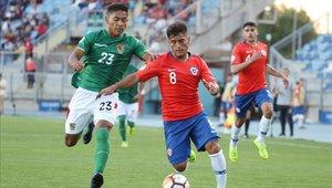 Bolivia sorprendió a un Chile que falta despegar