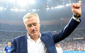 Deschamps, desolado, se despide de los aficionados