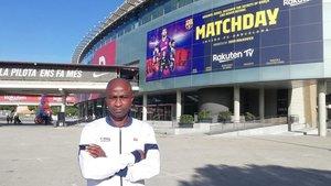 Gbenga Samuel Okunowo afronta una segunda etapa en el FC Barcelona, ahora con la Agrupació Barça Jugadors