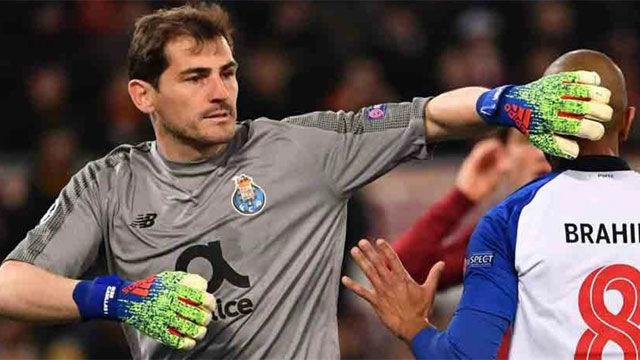 Iker Casillas mezcla el español con el portugués ante los medios