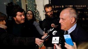 Javier Tebas opinó en Valencia sobre los temas candentes de la Liga