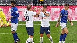 Kane y Lo Celso protagonizaron la jugada del gol de los spurs