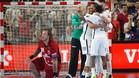 Los jugadores del PSG celebran el pase