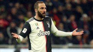 El Pipita dio negativo y no tardó en abandonar Italia