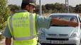 Motor - Agente de la Guardia Civil de Tráfico parando un vehículo